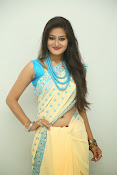 Nilofer sizzling saree photos-thumbnail-1