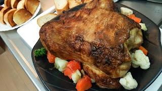 横浜の出張シェフ:丸鶏のローストチキン