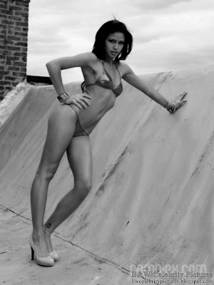 Cassie - Photoshoot for Complex in black and white - picture 4