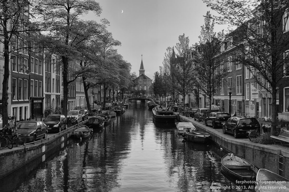 Amsterdam channels canals black and white Bloemgracht Jordaan night bw