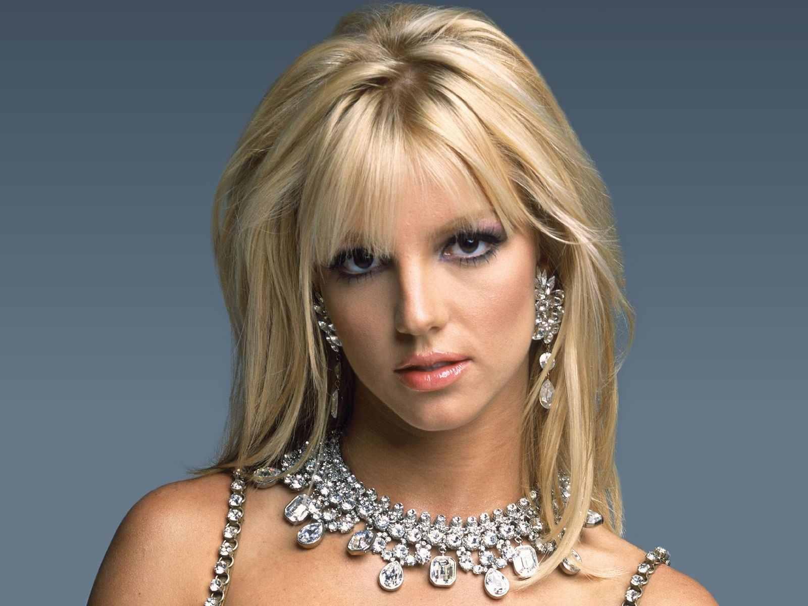 http://4.bp.blogspot.com/-2-GgC1gzI7k/TVuxDyh4wcI/AAAAAAAAAAs/wtoI44wgjms/s1600/Britney-Spears+4.jpg