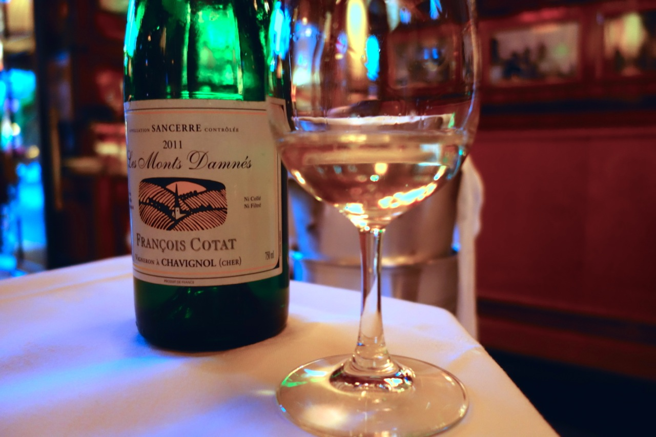 Capsule Champagne Cafe De Paris