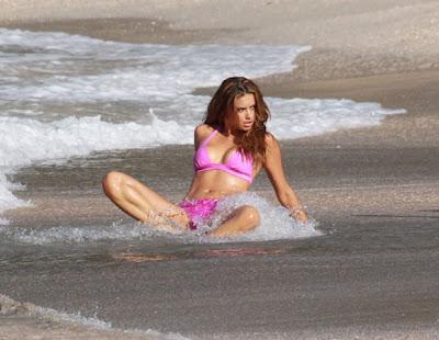 Адриана Лима засне секси фотосесия