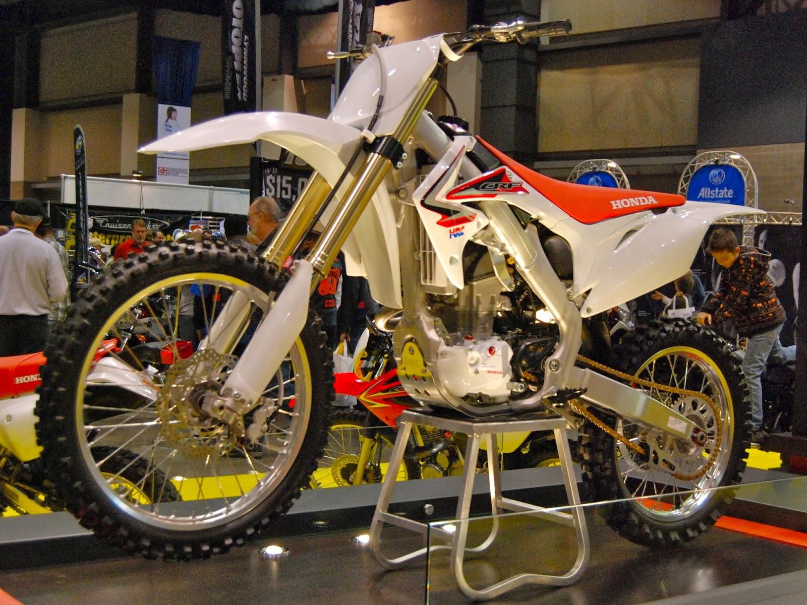 Honda CRF 250R Motorcycle Images
