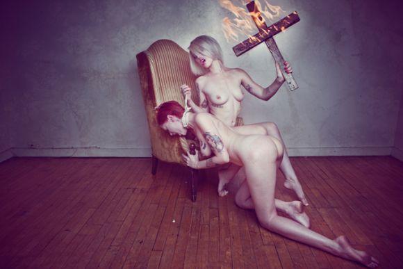 corwin prescott fotografia fetiches hardcore bondage extreme sado masoquismo religião
