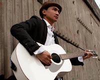 Lirik Dan Kunci Gitar Lagu Anji - Karena Aku dan Dirimu