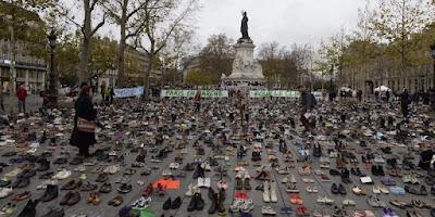 buongiornolink - Place de la République a Parigi coperta di scarpe per la Marcia del clima