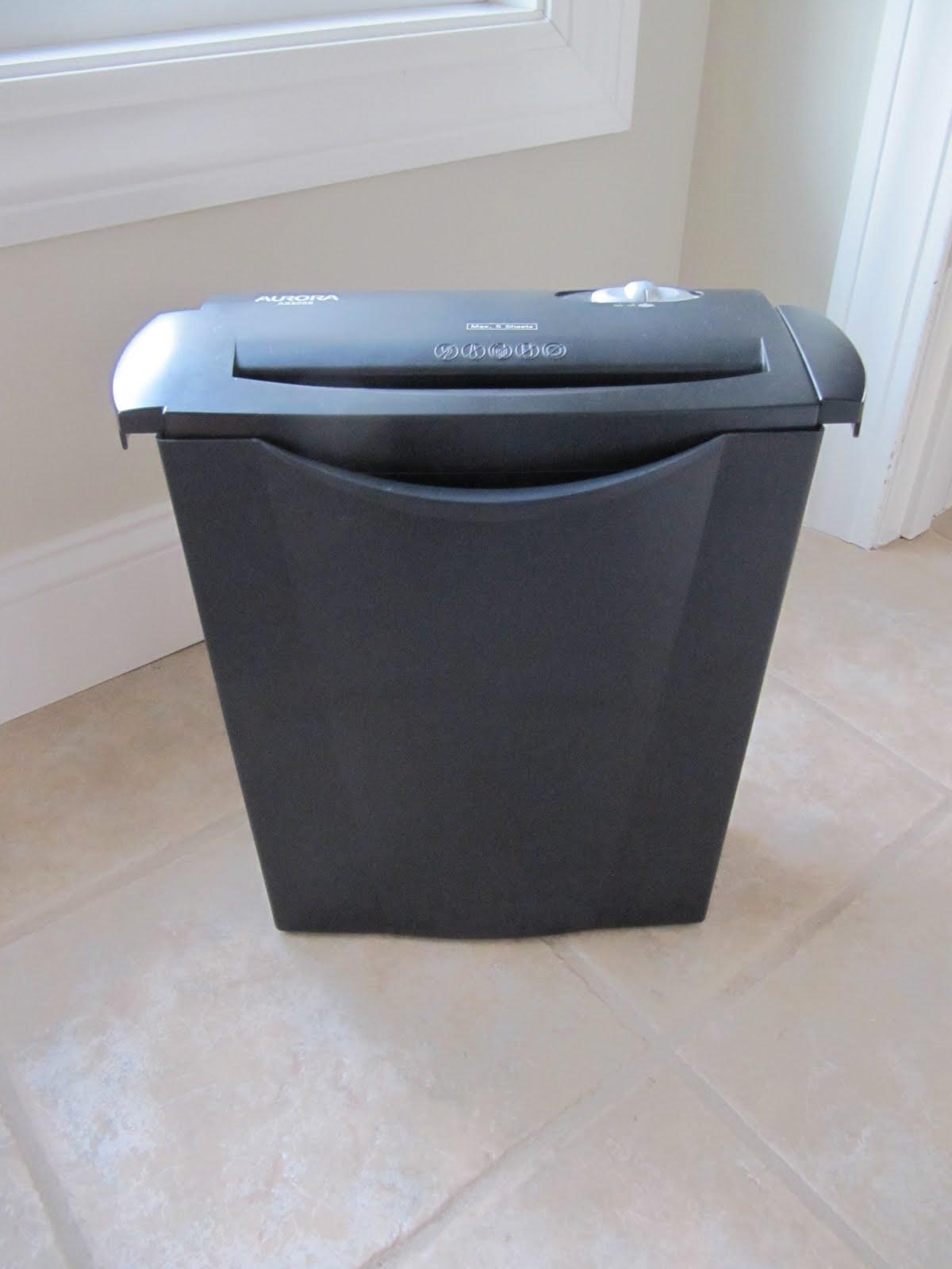 http://4.bp.blogspot.com/-20-DnYmRXbQ/TbAv-dgPd9I/AAAAAAAAJCg/3ZeTCDClLAw/s1600/paper+shredder+001.jpg