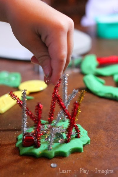 Christmas fine motor play with just a few simple supplies