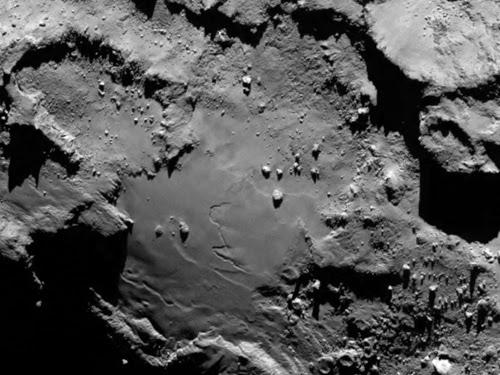 http://www.esa.int/var/esa/storage/images/esa_multimedia/images/2014/08/comet_details/14710766-1-eng-GB/Comet_details.png