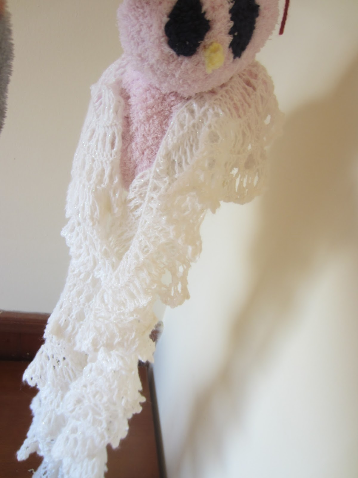 Free Knitting Pattern For Ruffled Shawl : Violets Silver Lining: Free Knitting Pattern: Ruffle Lace Snowflake Scarf