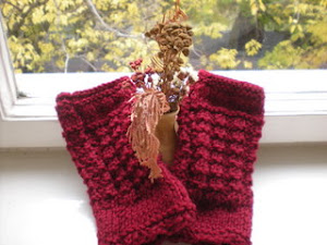 waffle stitch Hollyberry fingerless mitts