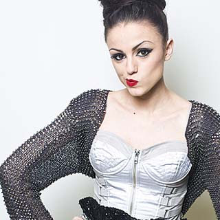 Cher Lloyd - Superhero Lyrics | Letras | Lirik | Tekst | Text | Testo | Paroles - Source: musicjuzz.blogspot.com