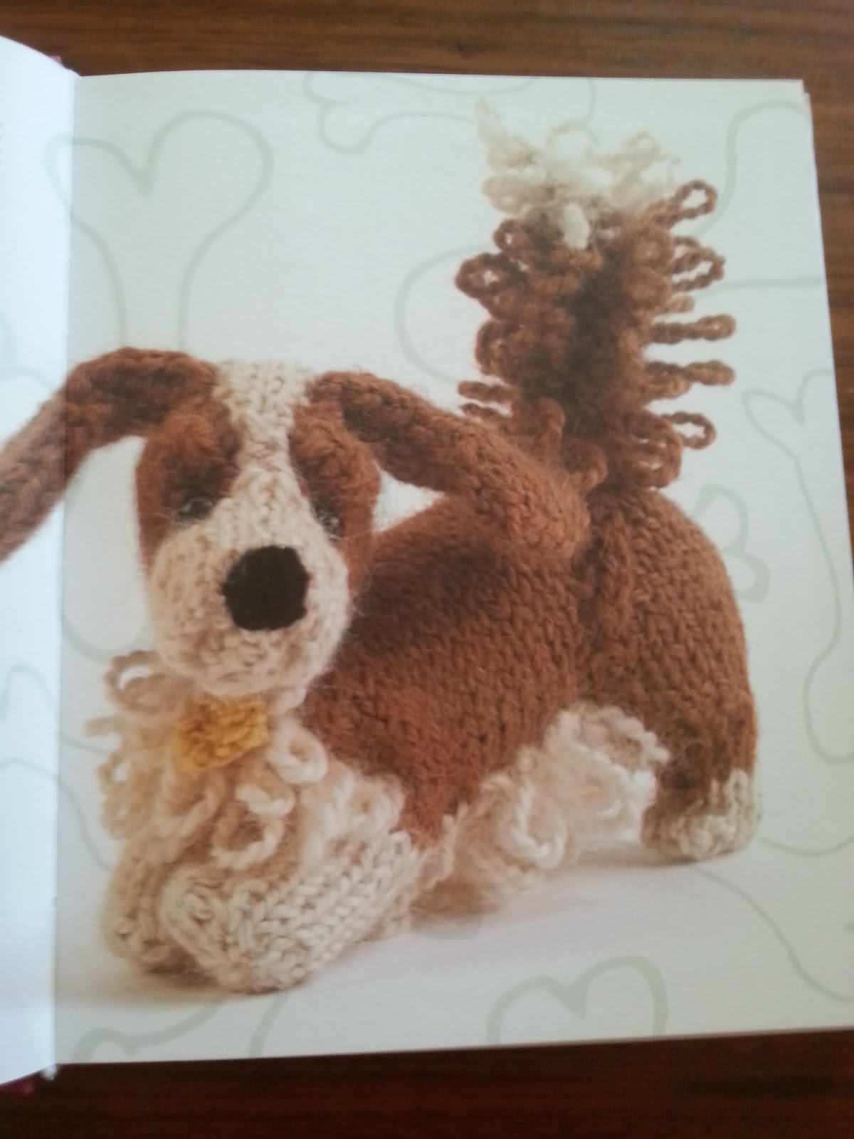 Knitted Dogs And Puppies Book