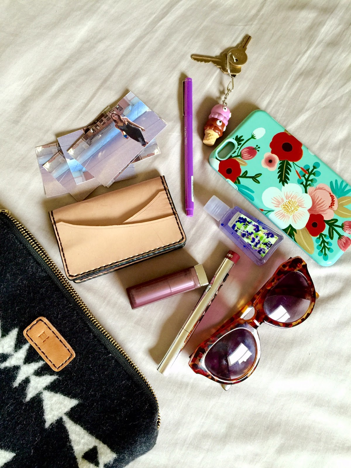 what's in my bag, Rue La La, collaboration, partnership post, hand bags, clutch, marc by marc jacobs, the p town girls, fashion blogger, portland blogger
