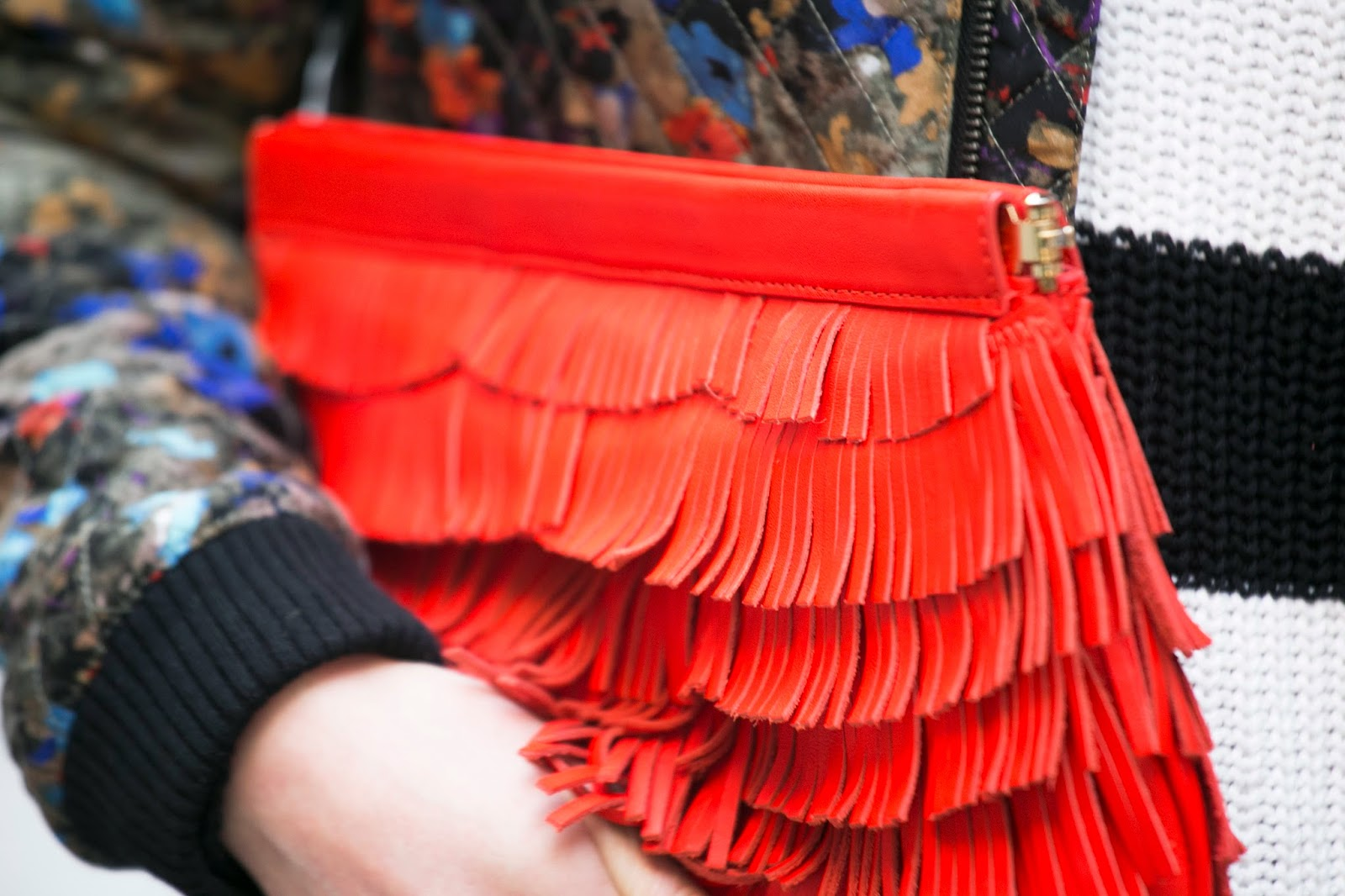 milky-new-york-fringe-clutch