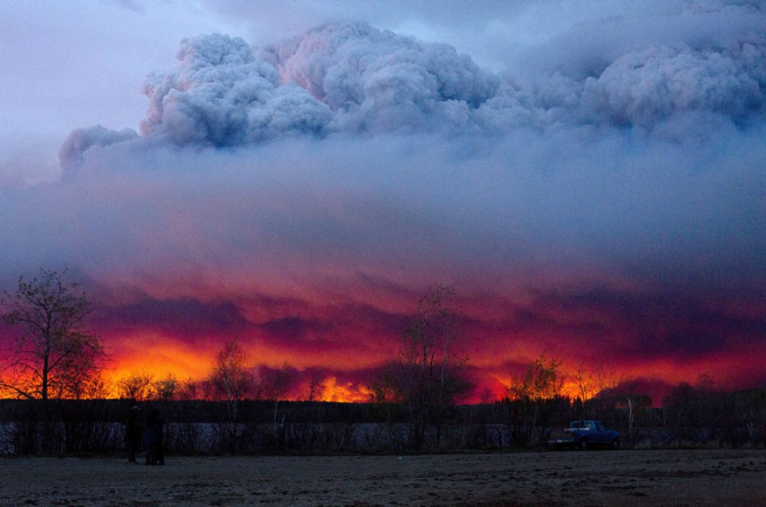 Fort McMurray Fire update: 'It's like Armageddon': Fort McMurray fire now the size of Chicago