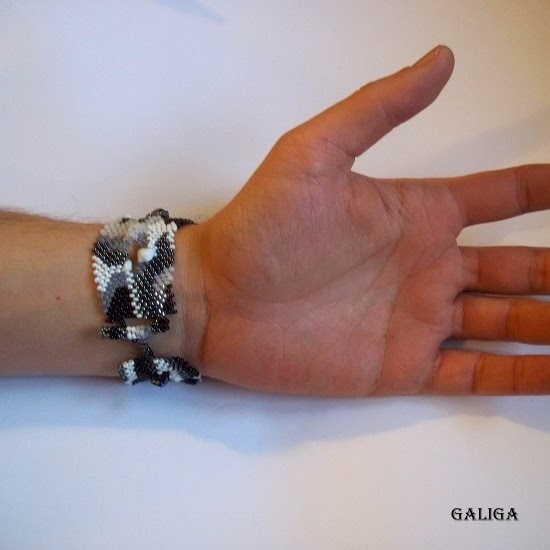 Seed bead bracelet cuff-freeform bracelet-black and white unisex bracelete