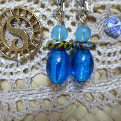 imagen solamante dark blue earring