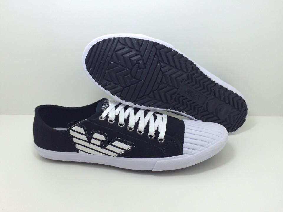 b9284836a13 Emporio Armani Projetado e fabricado . Emporio Armani Tênis e Sapatos  Masculinos da última coleção. Vários modelos e cores na Loja Online.