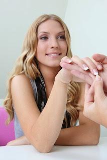 woman-manicure