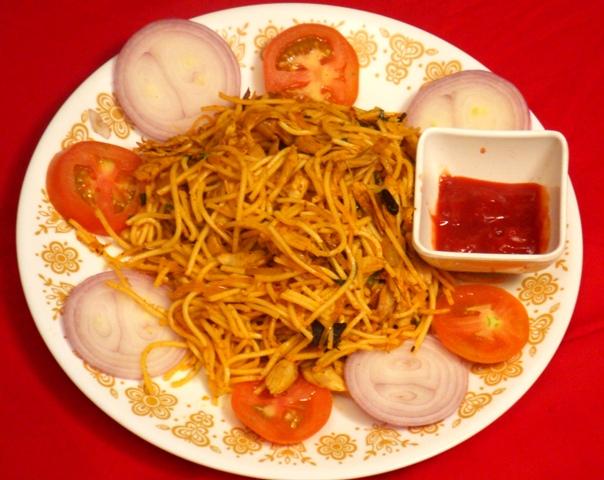 Darothi's Kitchen: Chicken Noodles