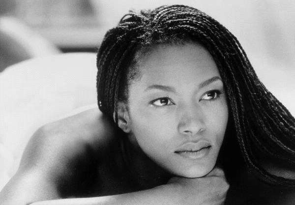 Angela Bassett - Picture Hot