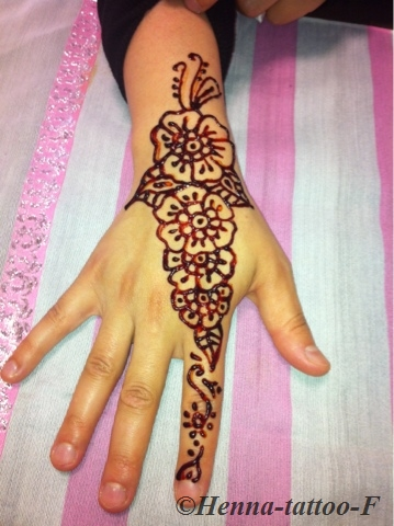 Henna tattoo by f juin 2013 - Henne simple main ...