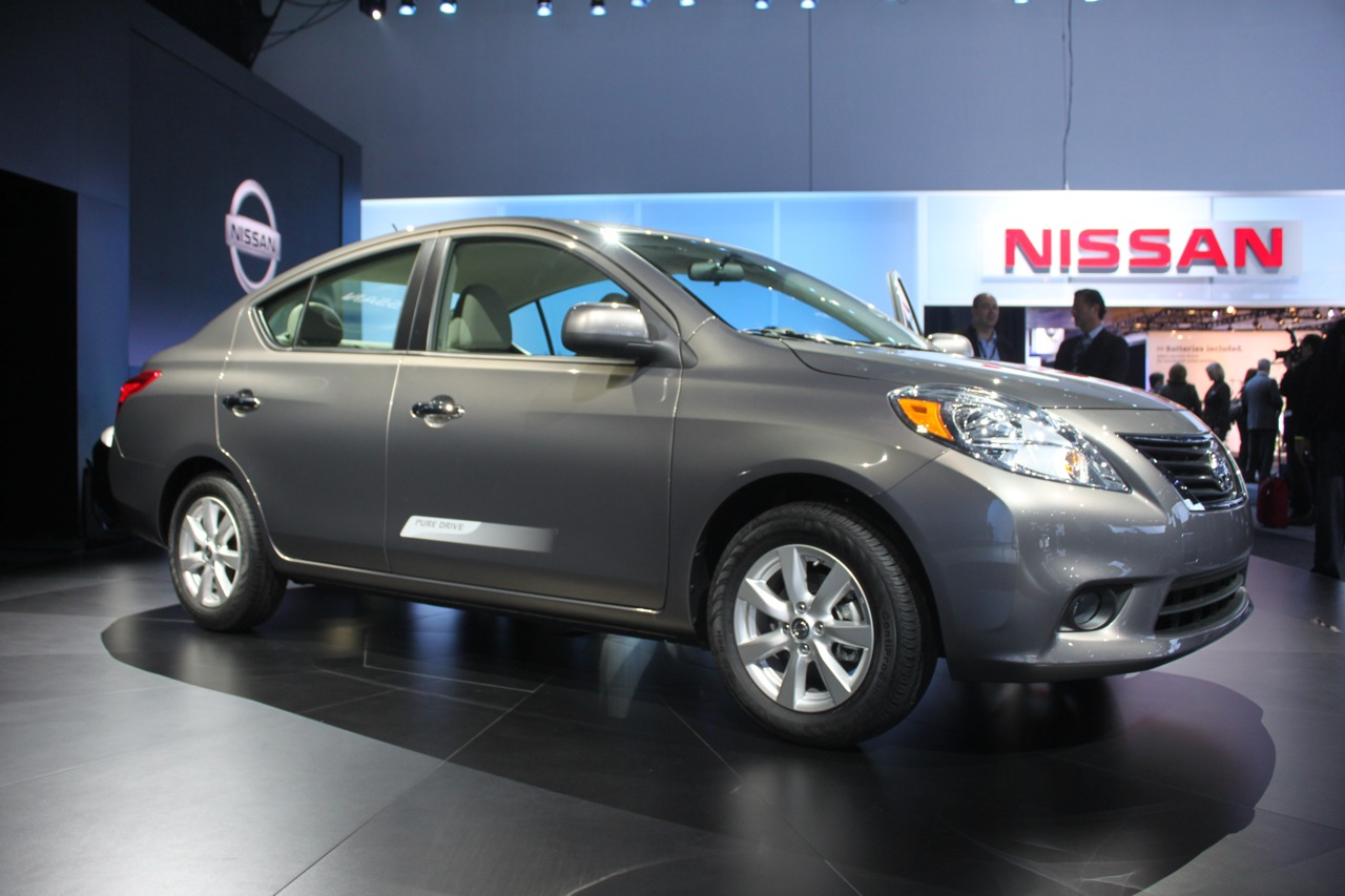 2012 nissan versa new versa with more fuel efficiency reviews auto style corner. Black Bedroom Furniture Sets. Home Design Ideas