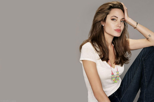 Angelina Jolie Best Hollywood Actress Wallpapers