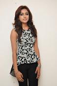 Vithika sheru latest glam pics-thumbnail-10