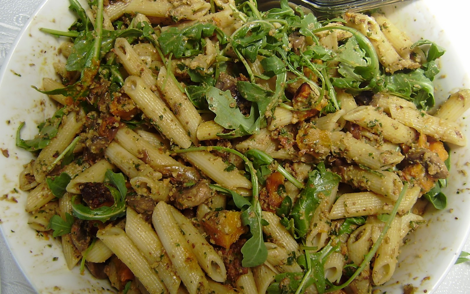 Living on Pulse: Rocket Pesto Pasta Salad with Roasted Pumpkin, Leek ...