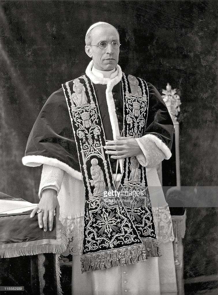 Pius XII, santo subito!