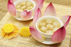 Vietnamese drink - Elegant flavor with longan and lotus tea