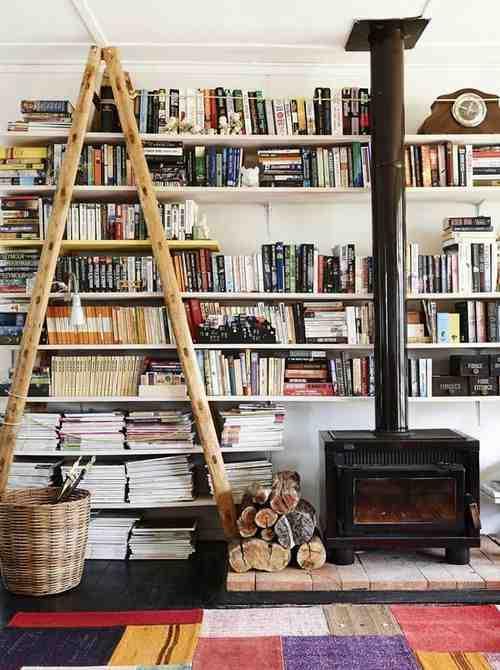 Regały na książki i drabina