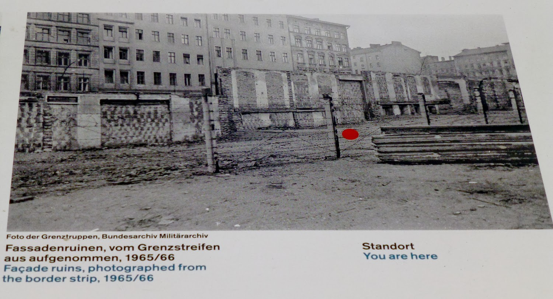 Casas-Frontera Berlin Wall