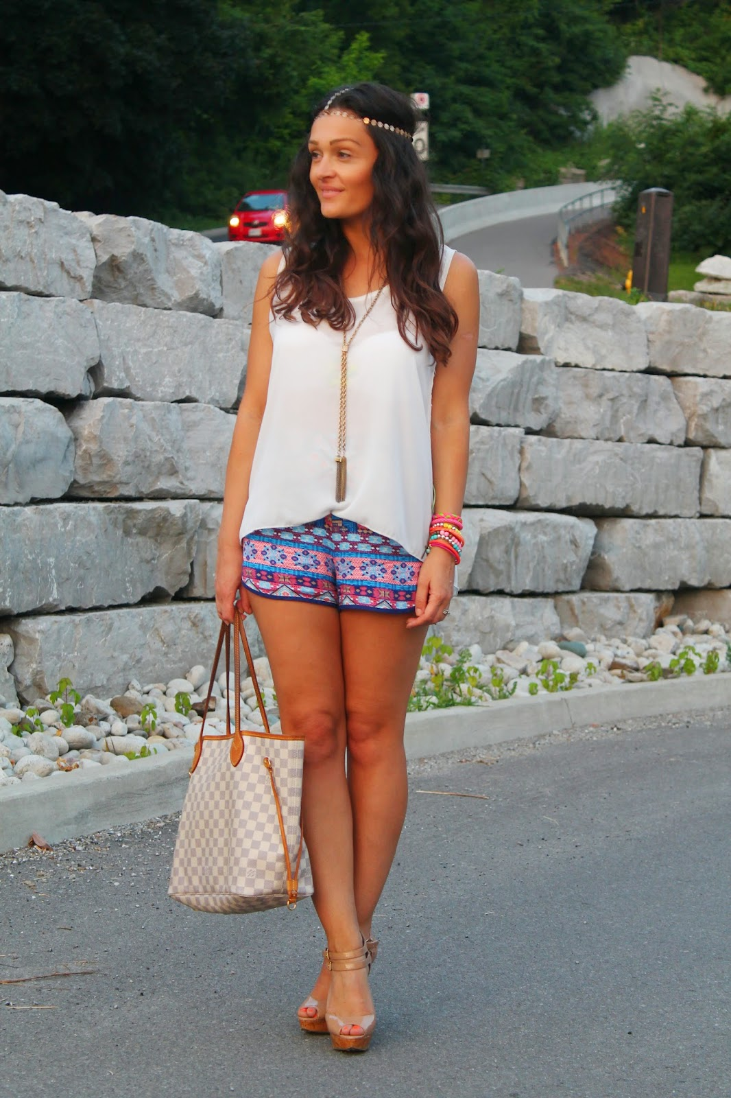 Toronto street style, canadian fashion blogger, printed shorts, aztec print shorts, summer outfit with shorts, blogerke, ethnic print shorts