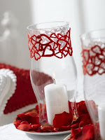 Свещи със сърца за Свети Валентин за декорация на дома в бяло и червено