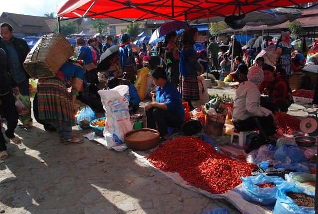 Tham quan chợ Bắc Hà, Lào Cai