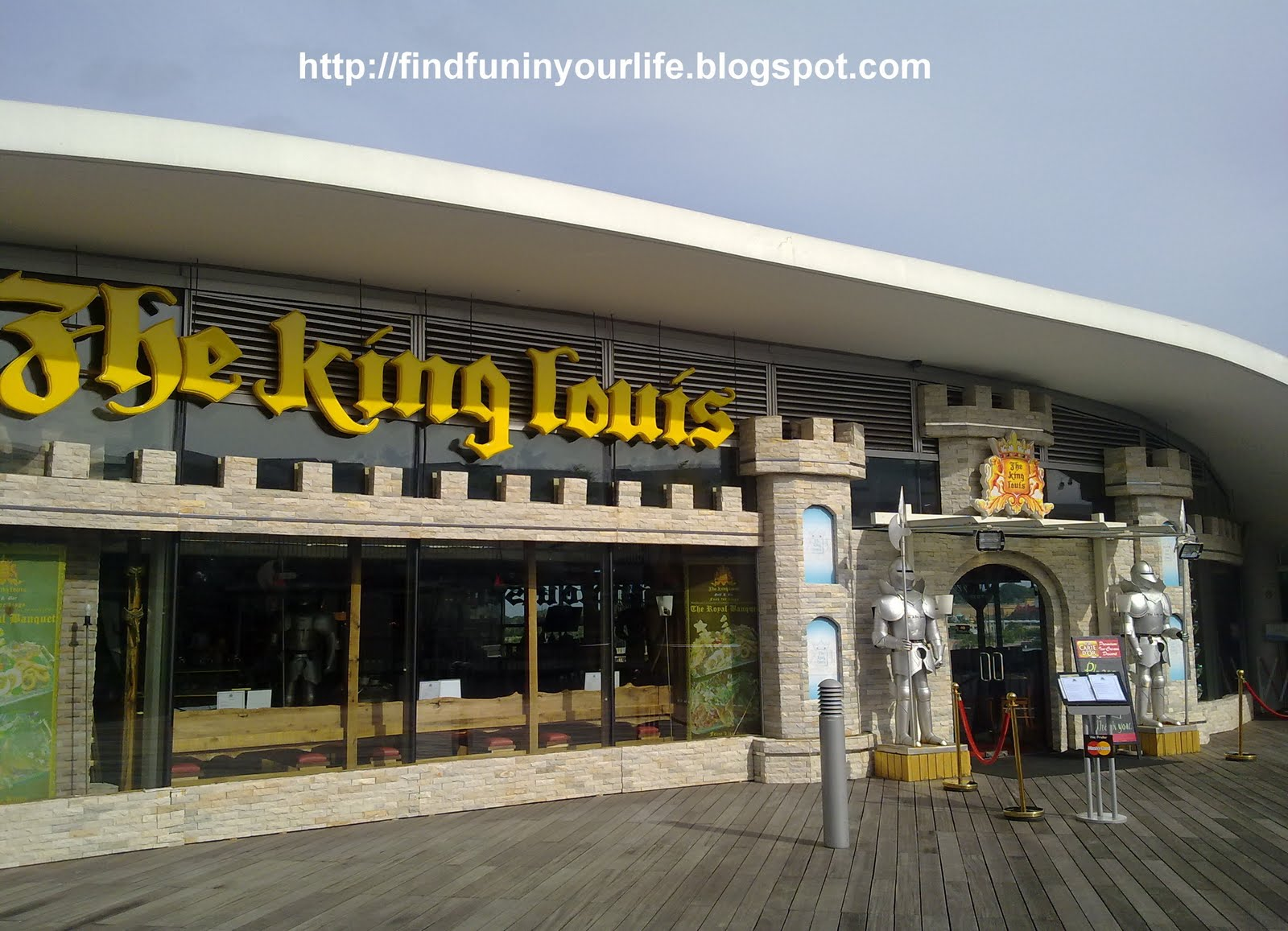 FindFuninyourLife (FFIYL): The King Louis Grill & Bar