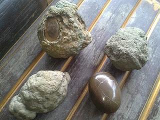 Menjala Rejeki dengan batu Jala Sutra