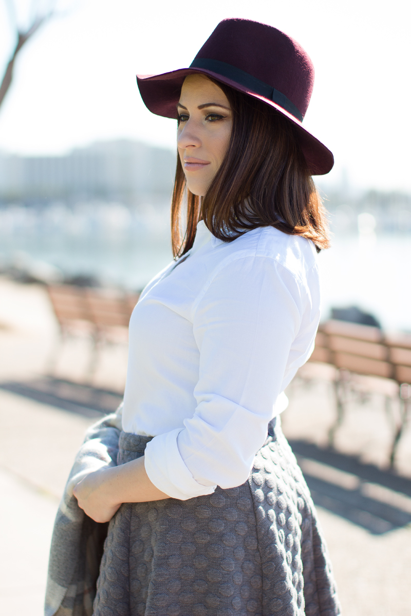 winter outfit ideas, burgundy and gray outfit idea