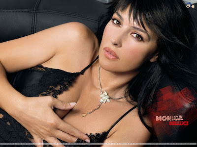 monica bellucci wallpapers. Monica Bellucci Wallpapers