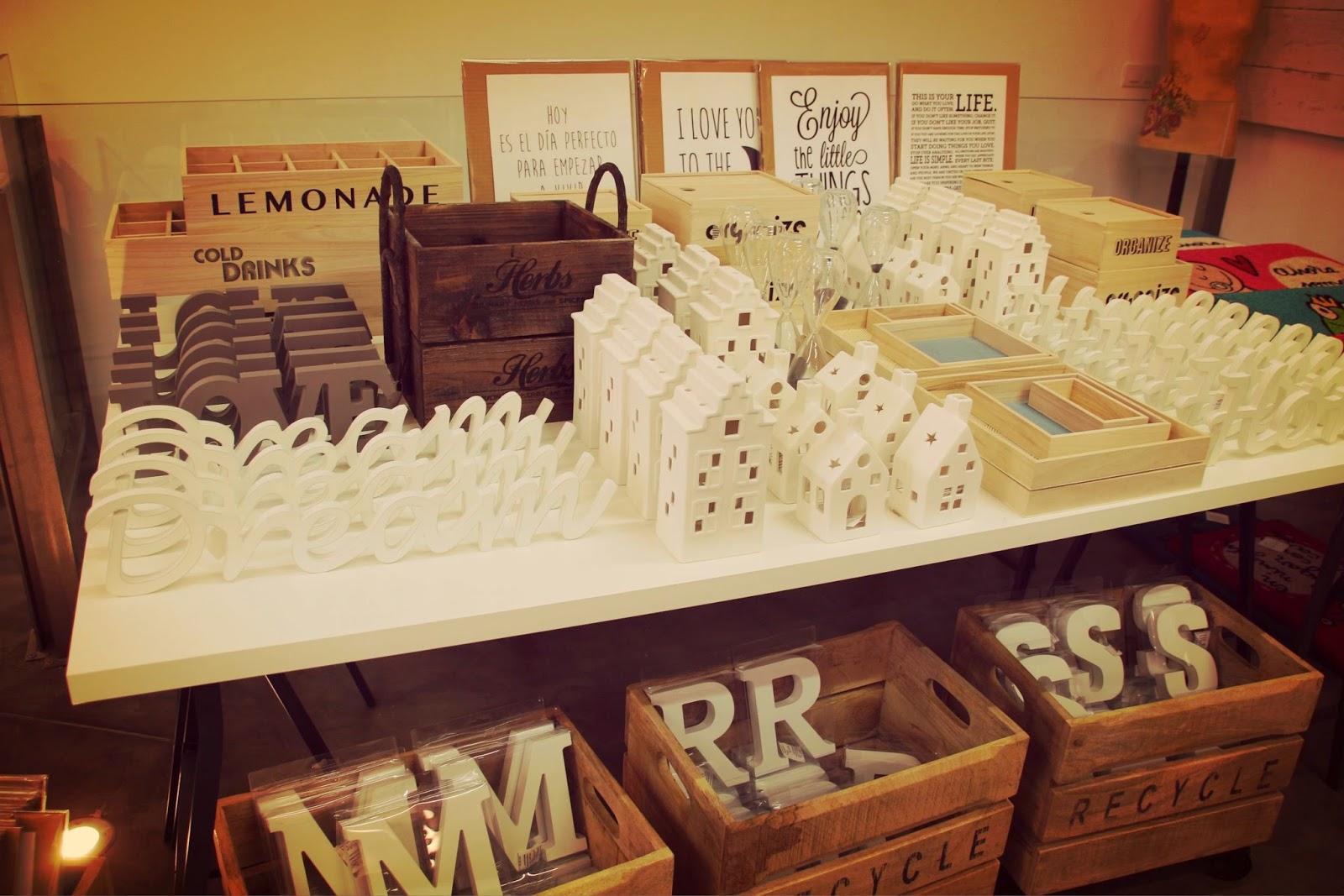 Decoración,Kenay Home, pop up store, espacio ciento y pico, malasaña, calle velarde, letras de madera