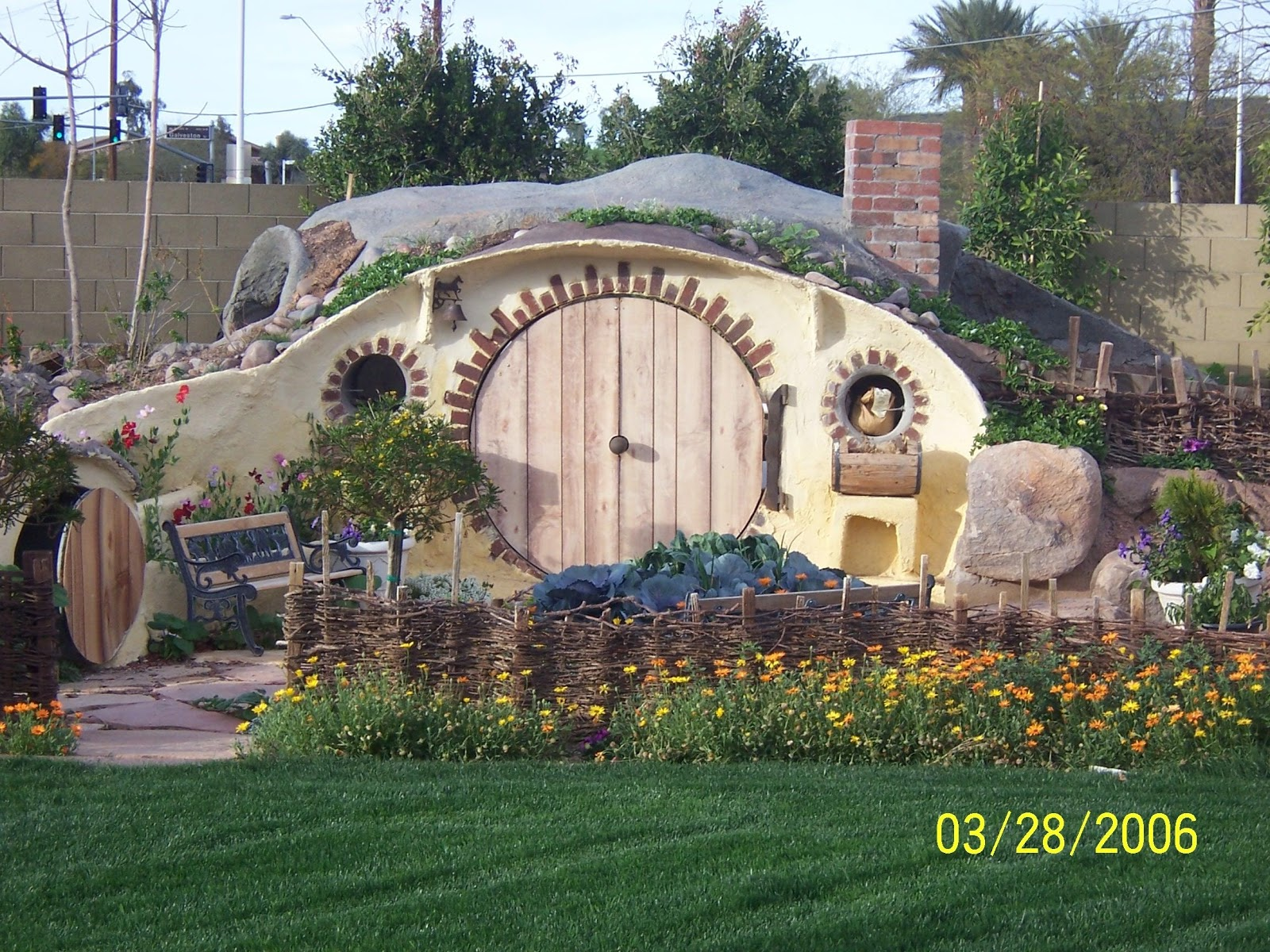 how can you possibly build a hobbit hole in your own backyard