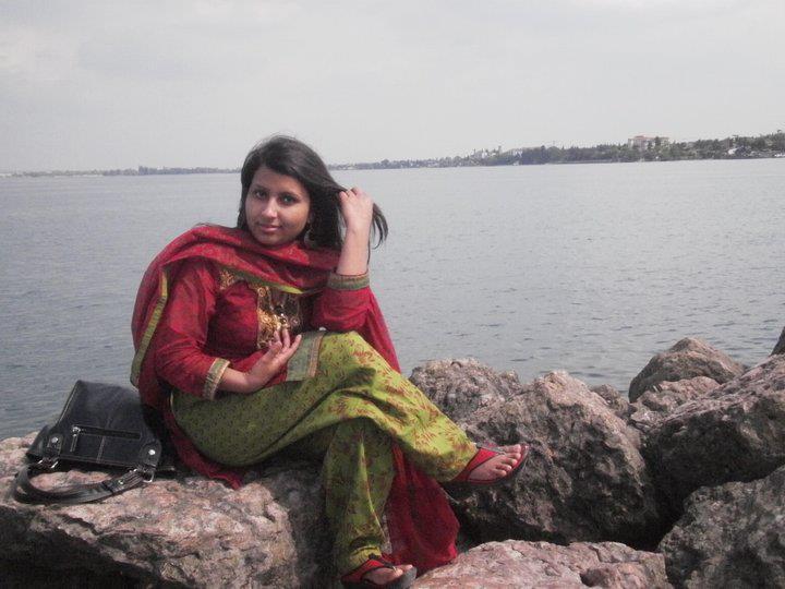 Bangladeshi Meyeder Modern Pose ((((: Super Duper