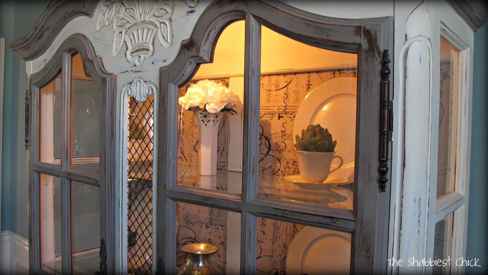 Boiserie c salviamo il salvabile - Dipingere mobili cucina vecchia ...