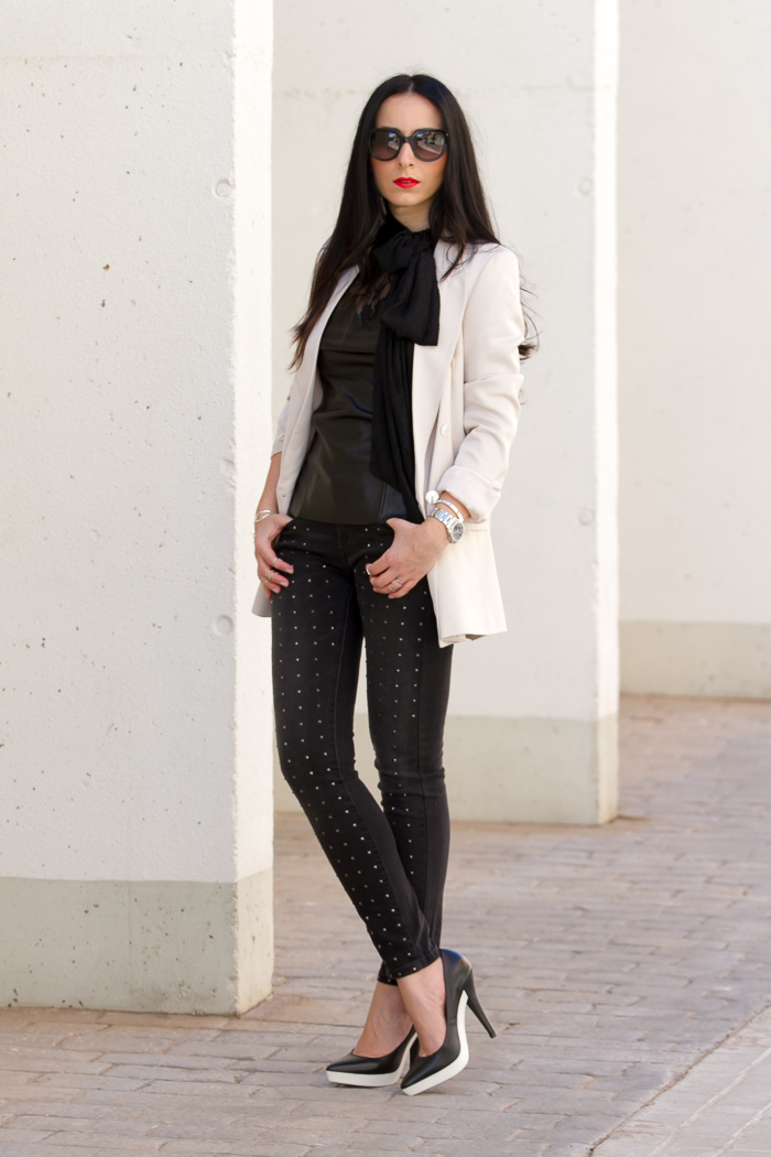 Streetstyle spiked jeans nude blazer and Rubber Platform  Stilettos