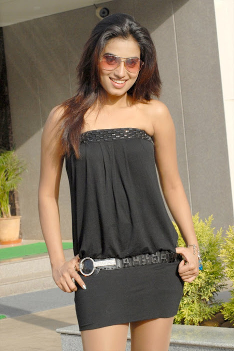dimple chopra spicy unseen pics