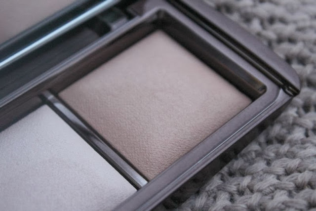 Hourglass Ambient Lightening Palette